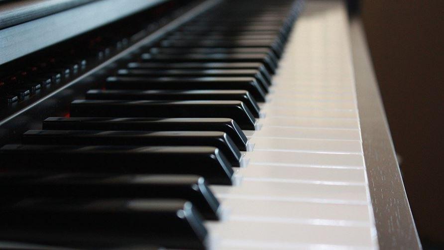 Teclados musicales y pianos digitales